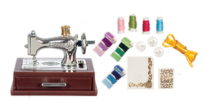 G7326 - Table top Sewing Machine and Thread