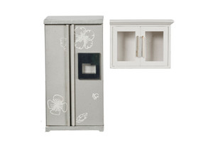 GM015 - Fridge & Upper Cabinet