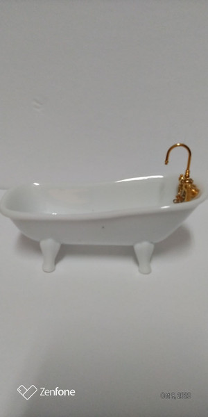 Reutter Porcelain White Tub