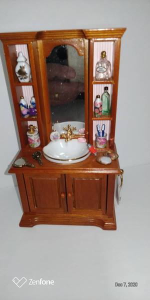 Reuter Porcelain Bathroom Cabinet with Accessories
