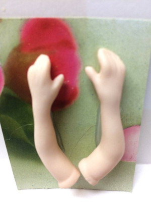 Dollhouse Miniature – BENT ELBOWS - Porcelain Doll Kit Hand & Arms Only