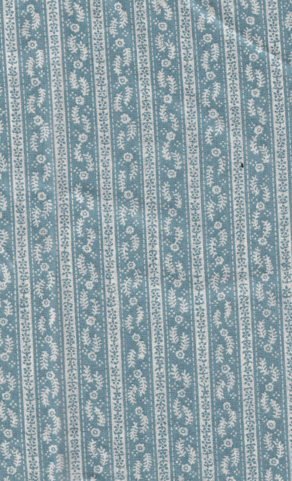 """41901171 - Fabric:  White and Blue with Flowers - 10"""" L x 6""""W"""