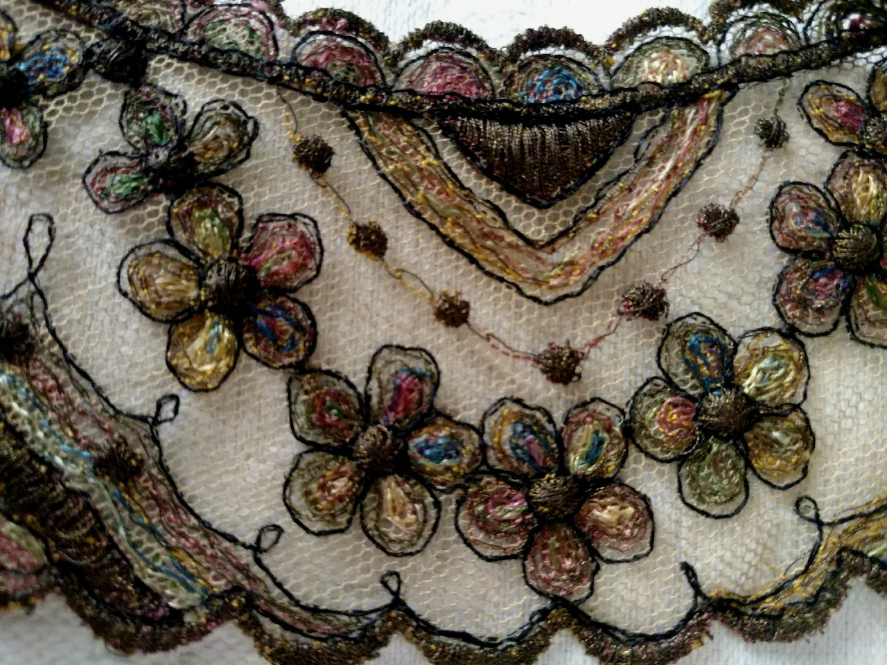 Antique Net Lace Embroidery Collar Color Metallic Thread 1920s