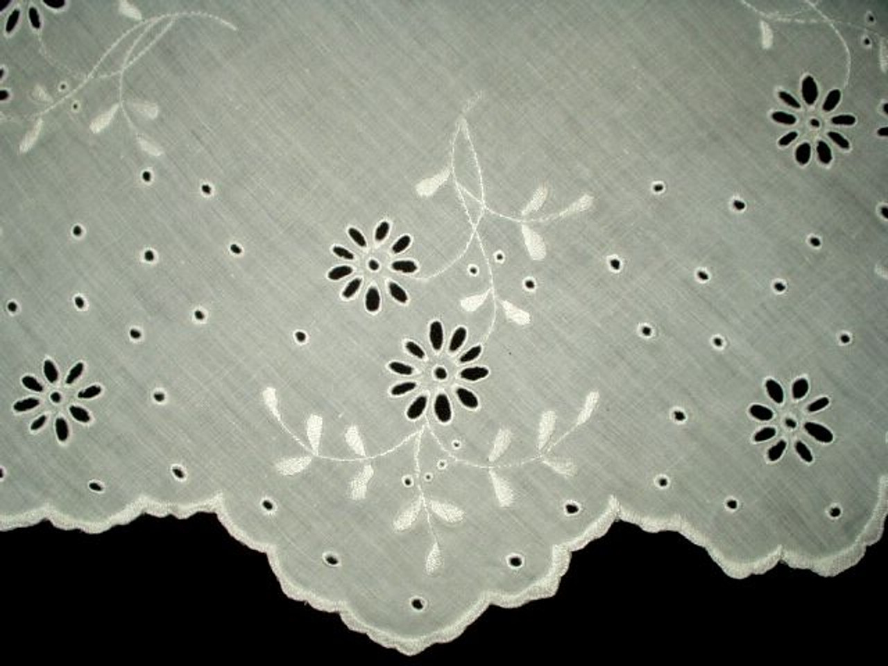 Vintage 1930 1940 Hand Embroidery Table Doily Embroidered Floral Pattern