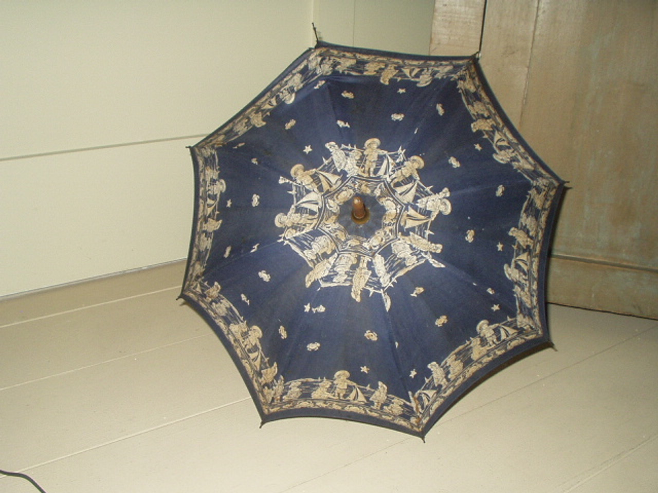 Victorian Early 1900's  Blue Parasol Figural Children Playing At Seashore