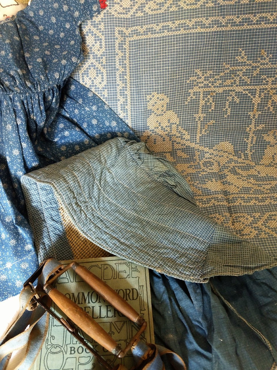 The Color Of Blue ~ A Peek At Primitive Country Textiles