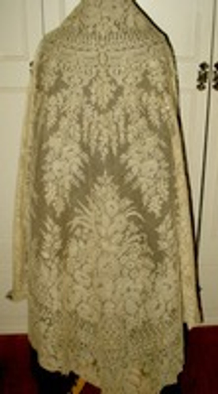 Civil War To Late Victorian White Chantilly Lace Shawl ~ Flowers And Ferns