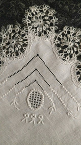 Linen Handkerchief Drawn Tatted Lace Vintage Hankie