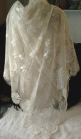 Vintage Carrickmacross Lace Shawl Tablecoth Applique Machine Net  As Is