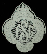 Early 1900 Monogram Needle Lace Embellishment For Table Or Bed Linens