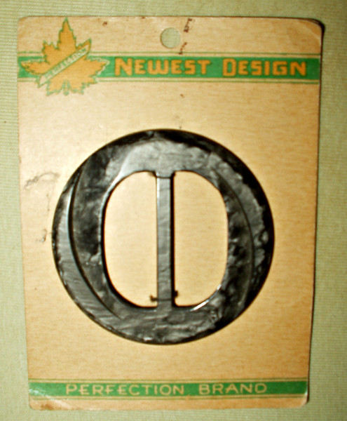Vintage 1930 Art Deco Black Mottled Plastic Dress Buckle Slide Original Card