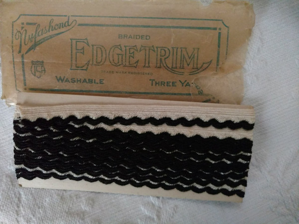 3 Yards Novelty Trim Braid Black White Nufashond Unused 1920s Package