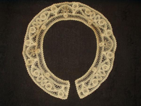 Antique Hand Made Victorian Renaissance Tape Lace Collar