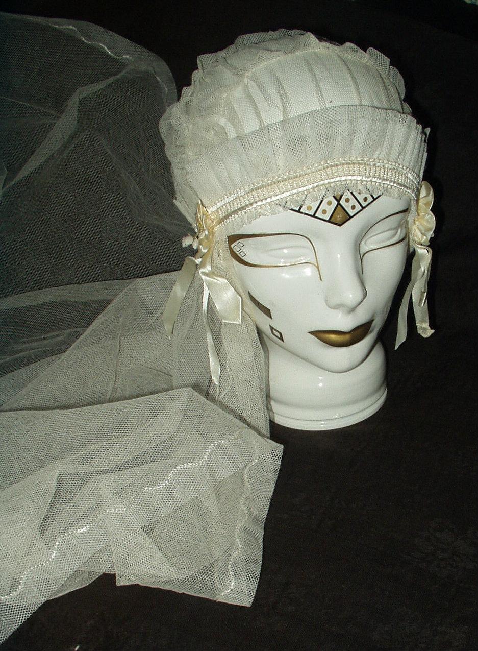 398df01e876c5 Vintage Tulle Net Wedding Bridal Cap Veil Bows Fabric Flowers 1920 1930 ...