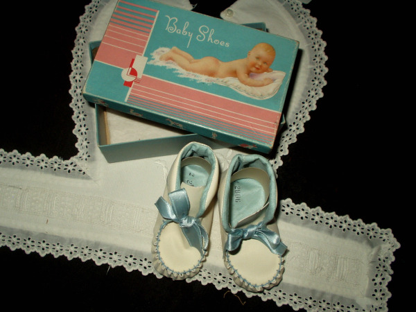 a7f86e1919bdb Antique Vintage Edwardian 1920 White Leather Baby Shoes Mint Condition In  Box