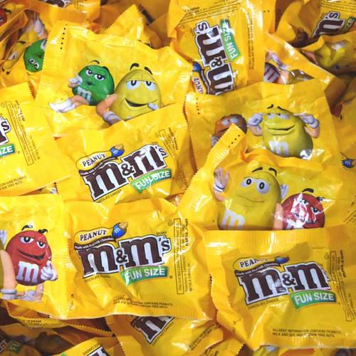 M&M's Peanut Fun Size Bulk 23lb (575 Count)