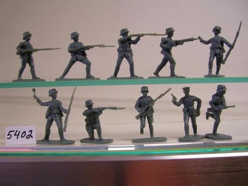 Armies In Plastic 5402 1/32 WWI Germans in Stahlhelm Helmets Toy Soldiers A