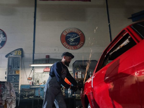 Busy Autobody Repair Shop for Sale