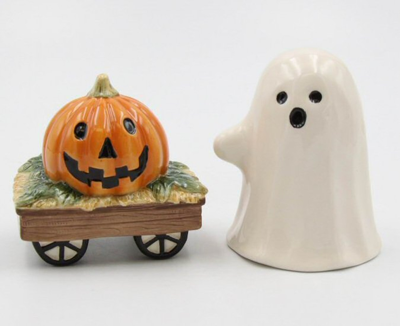Casper The Ghost And Pumpkin Wagon Porcelain Salt And Pepper Shakers Set Of 4 Tableware Cosmos
