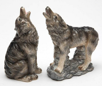 Howling Wolves Porcelain Salt and Pepper Shakers, Set of 4