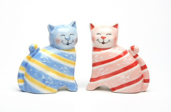 Two Happy Cats Ceramic Salt and Pepper Shakers, Set of 4