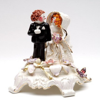 Bride and Groom Sculpture
