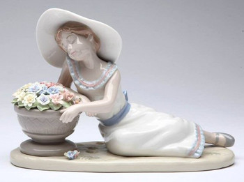 Fragrant Relaxation Porcelain Sculpture by Nadal