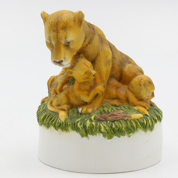 Lion with Her Cub Porcelain Sculptures, Set of 2