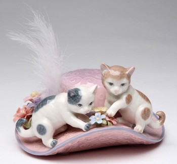 Perfect Friends Two Cats Musical Music Box Sculpture