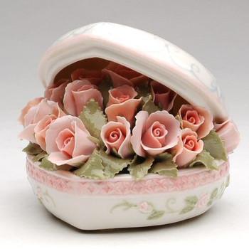 Heart Box Bouquet Musical Music Box Sculpture