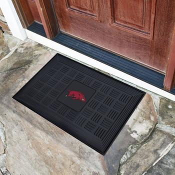 "19.5"" x 31.25"" University of Arkansas Medallion Rectangle Door Mat"