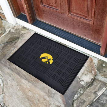 "19.5"" x 31.25"" University of Iowa Medallion Rectangle Door Mat"