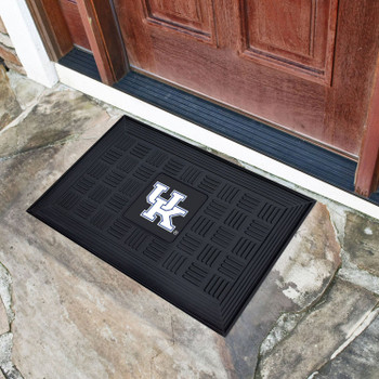 "19.5"" x 31.25"" University of Kentucky Medallion Rectangle Door Mat"