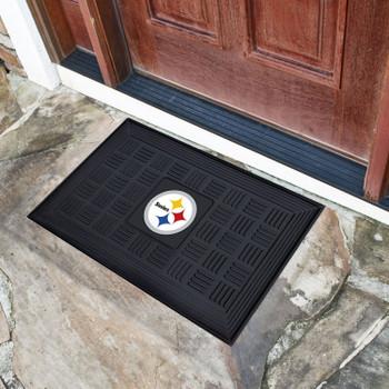 """19.5"""" x 31.25"""" Pittsburgh Steelers Medallion Rectangle Door Mat"""