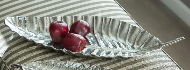 Tropical Leaf Aluminum Tray, Set of 2