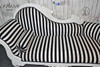 FLOWER CARVED CHAISE LONGUE   Black & White