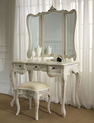 French Dressing Table: How to choose