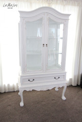 ​How to select a French Armoire for your home?