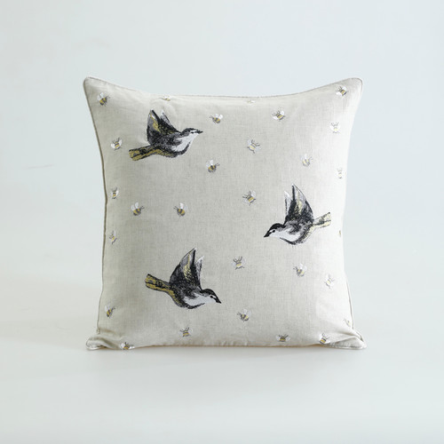 FLYAWAY Cushion Natural
