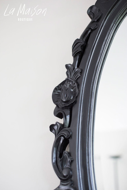 OVAL CARVED MIRROR | Black