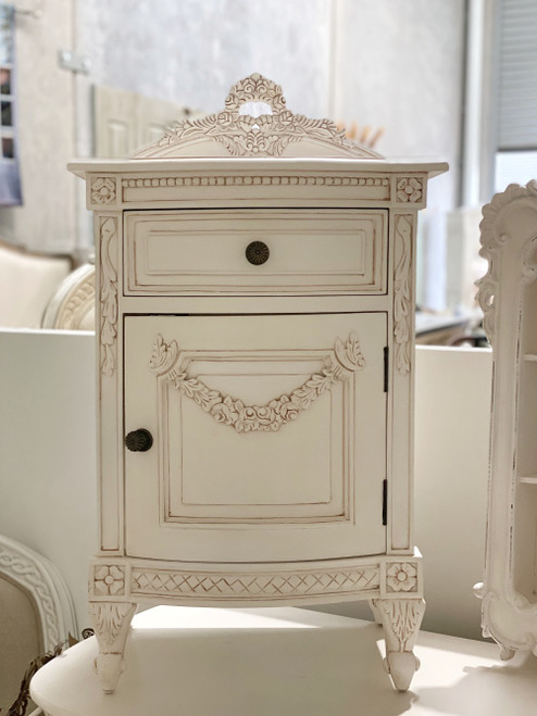 BRITTANY FRENCH BEDSIDE TABLE
