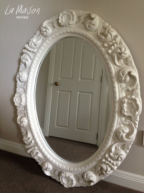 LARGE OVAL CARVED MIRROR | White