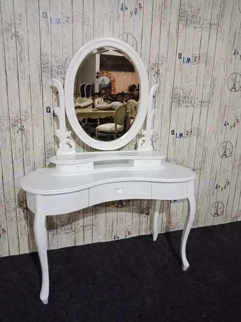 FRENCH OVAL DRESSING TABLE SET