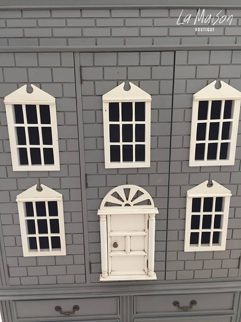 BELLE'S DOLL HOUSE