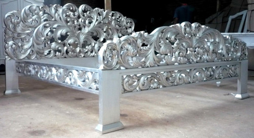 QUEEN'S BED | Silver Leaf