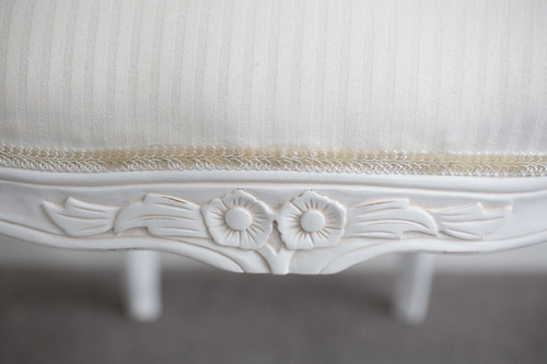 FLORAL CARVED DINER | White