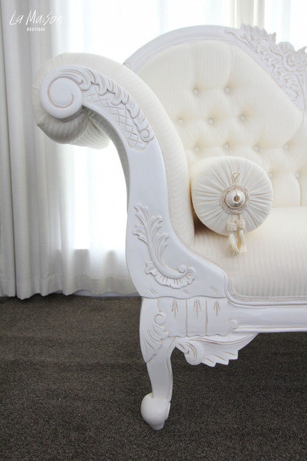 FLOWER CARVED CHAISE LONGUE | White