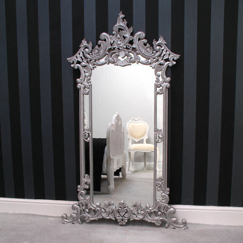 CARVED ORNATE WALL MIRROR | Silver