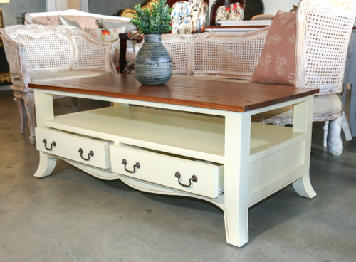 SHABBY CHIC COFFEE TABLE | Natural