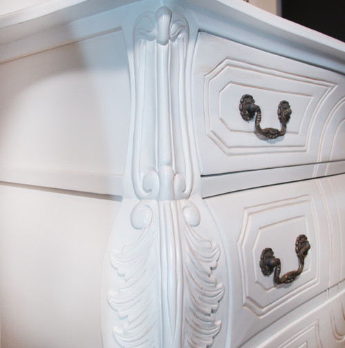 AUSTIN 3 DRAWER CARVED CHEST | Antique White